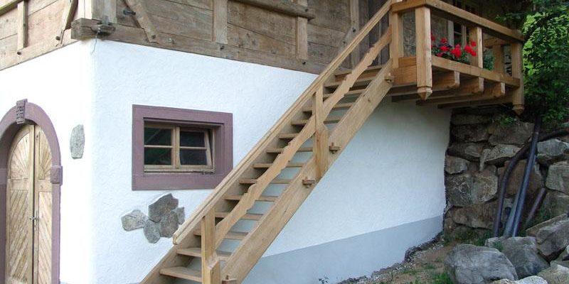 Außentreppe für ein Leibgedinghaus im Schwarzwaldstil.