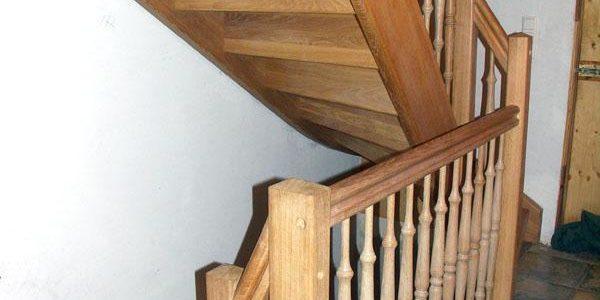 Eichenholztreppen über drei Etagen