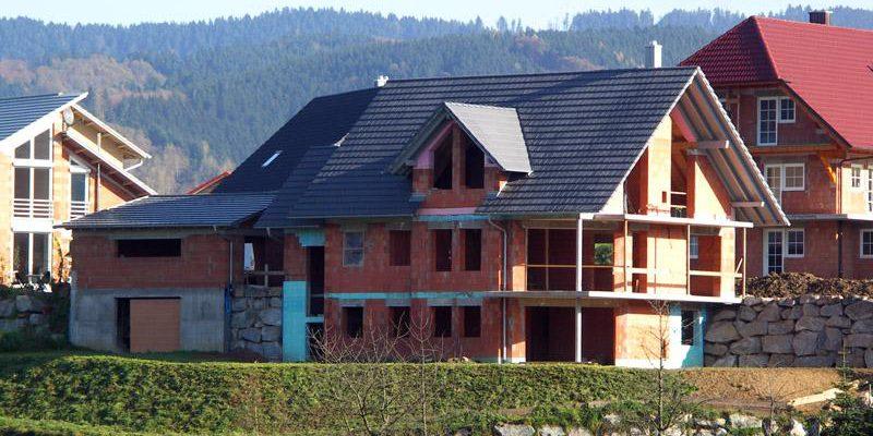 Dachdeckerarbeiten für den Neubau eines Wohnhauses mit Garage in Oberharmersbach.